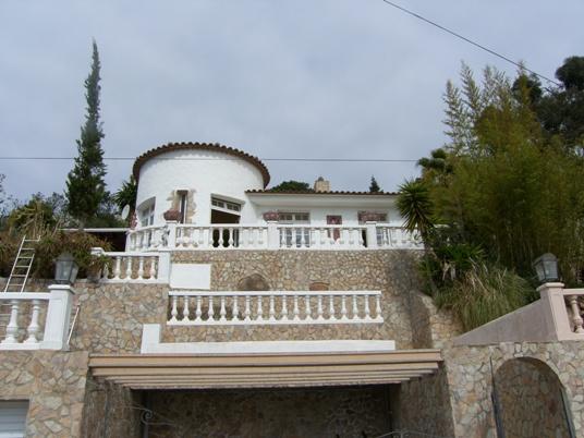 Уютный дом с панорамным видом на море и г. Ллорет де Мар
