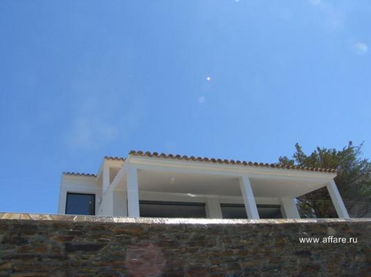 Новый дом в окрестностях Росаса с прекрасным видом на море и горы