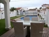 Двухэтажный дом в престижном районе г. Ампуриабрава