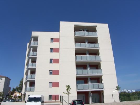 Новый блок в г. Росас квартирами