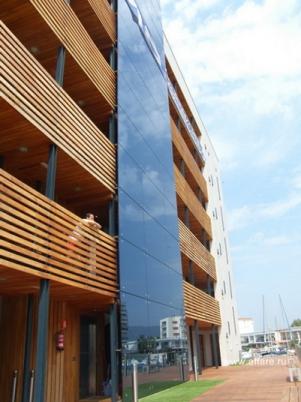 Апартаменты высокого класса в только что отстроенном здании с огромным выбором двухспальных квартир