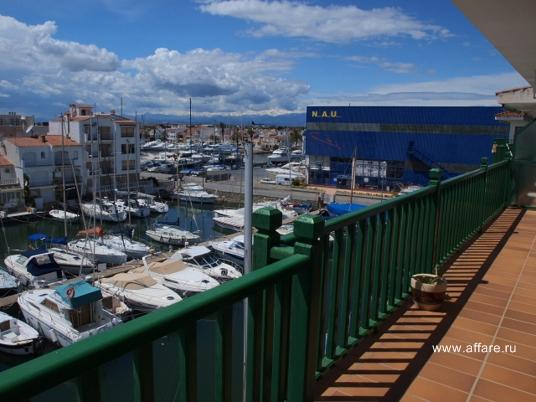 Квартира-атико с видом на море и канал в г. Ампуриабрава