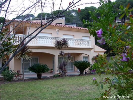 Дом рядом с г. Матаро который находится в 20 км от Барселоны