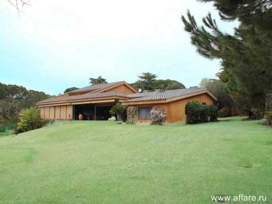 Дом с видом видом на гольф-поля и море