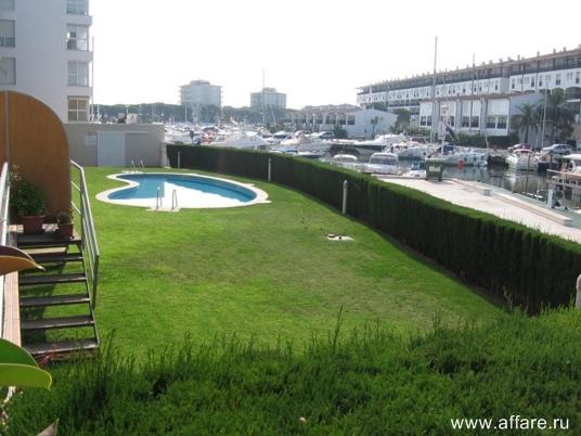 Апартаменты в порту на нижнем этаже в г. Плайя де Аро