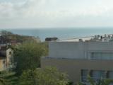 Жилой комплекс, состоящий из апартаментов Т2 и Т3, расположен в 300 метрах от океана