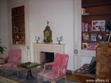 Очень красивая квартира в престижном Османовском доме