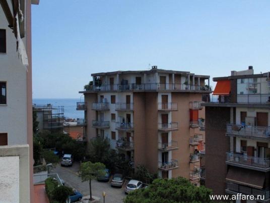 Продаем просторные апартаменты с видом на море