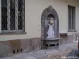 Величественное здание на улице Principe Amedeo
