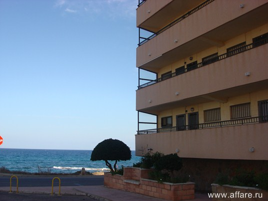 Обустроенная квартира в Гуардамар дель Сегура прямо у кромки моря