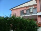 Двухуровневый апартамент с приватным садом, г. Скалея
