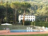 Историческая вилла с бассейном и парком