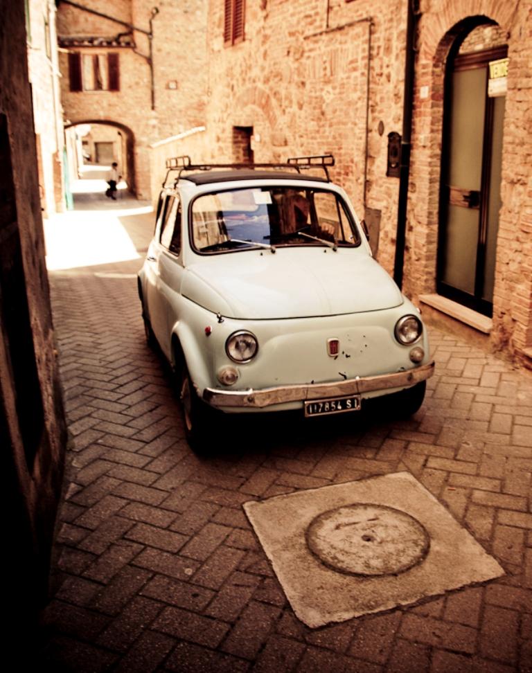 Узкие улочки городов тосканы